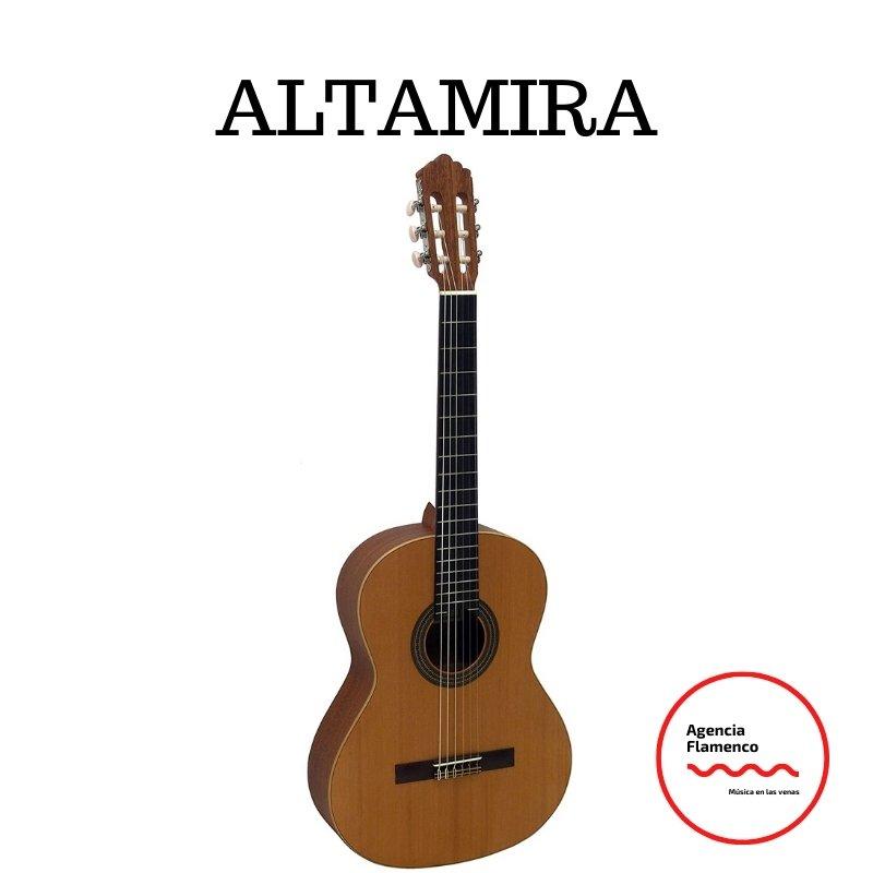 2. Guitarra clásica Altamira